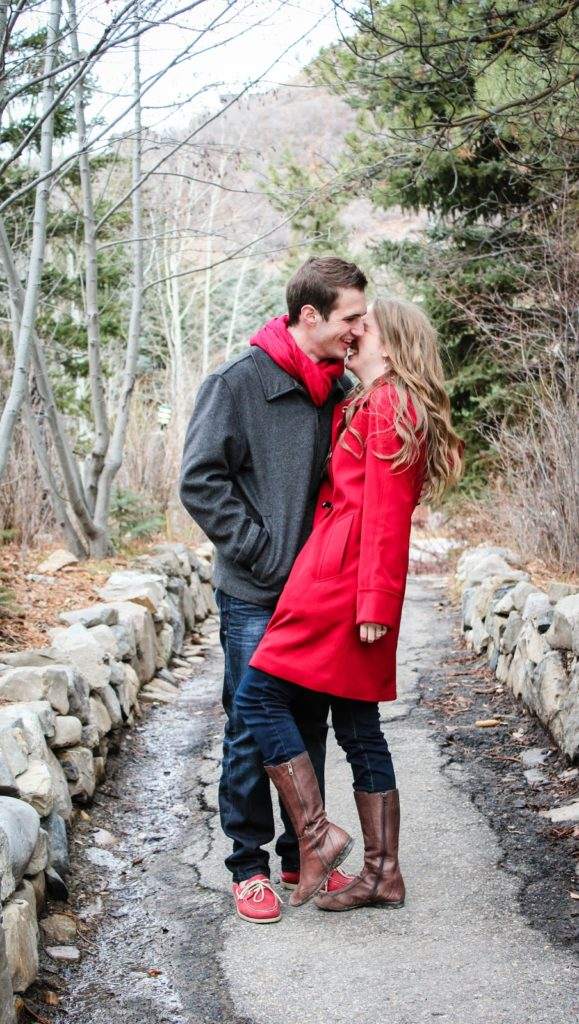 Holiday Date Ideas by Boston lifestyle blogger Elisabeth McKnight