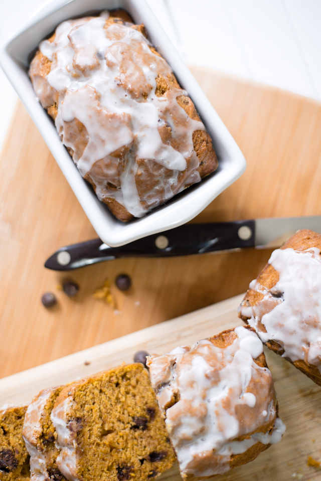 this easy chocolate chip pumpkin bread recipe is moist + delicious + its a bread with pumpkin, so it has to be healthy right? the perfect fall treat