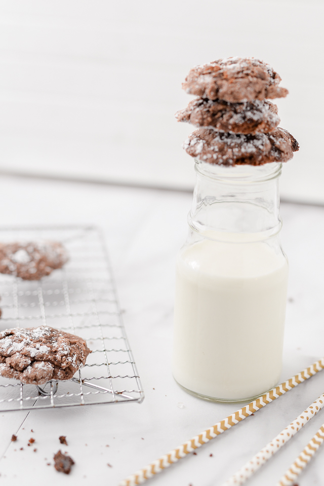 this easy brownie cookie recipe makes the best fudgy cookie -- we made it last week and EVERYONE loved it