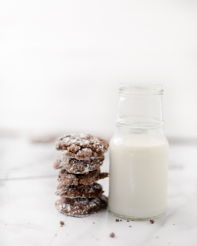 this easy brownie cookie recipe makes the best fudgy cookie -- we made it last week and EVERYONE loved it