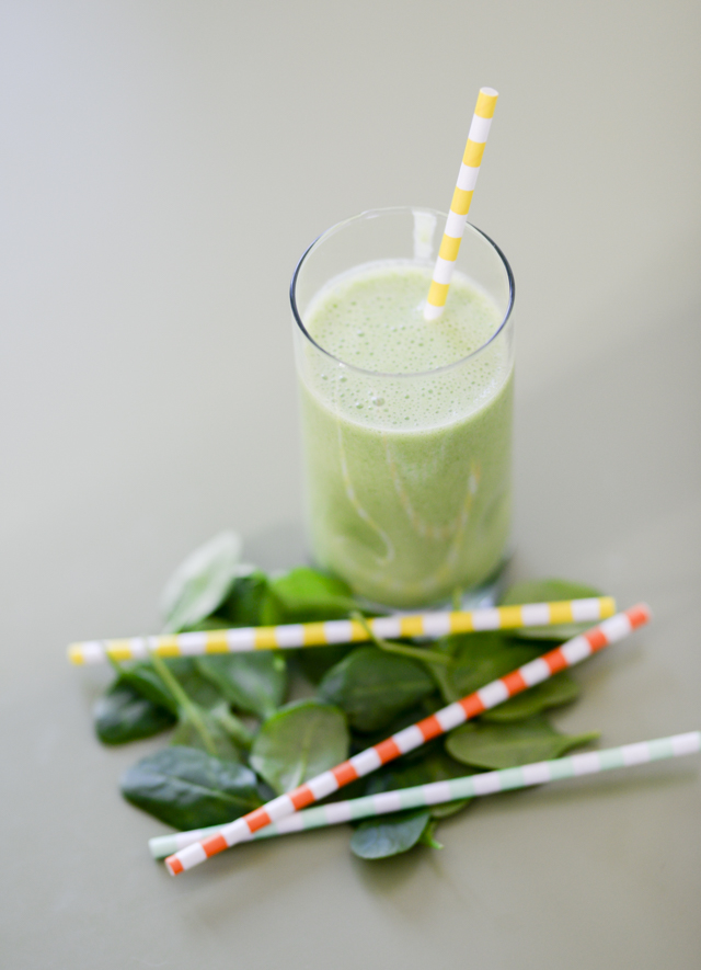 My toddlers favorite fruit and veggie smoothie recipe by popular Boston lifestyle blogger Elisabeth McKnight
